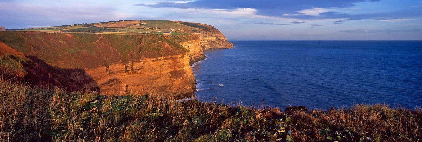 View-out-to-the-North-Sea-from-Boulby-Cliffs-the-highest-cliffs-on-Englands-east-coast-Boulby-Redcar-Cleveland-England.